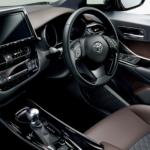トヨタ「C-HR」の最新情報【内装・後部座席】どんな感じ?